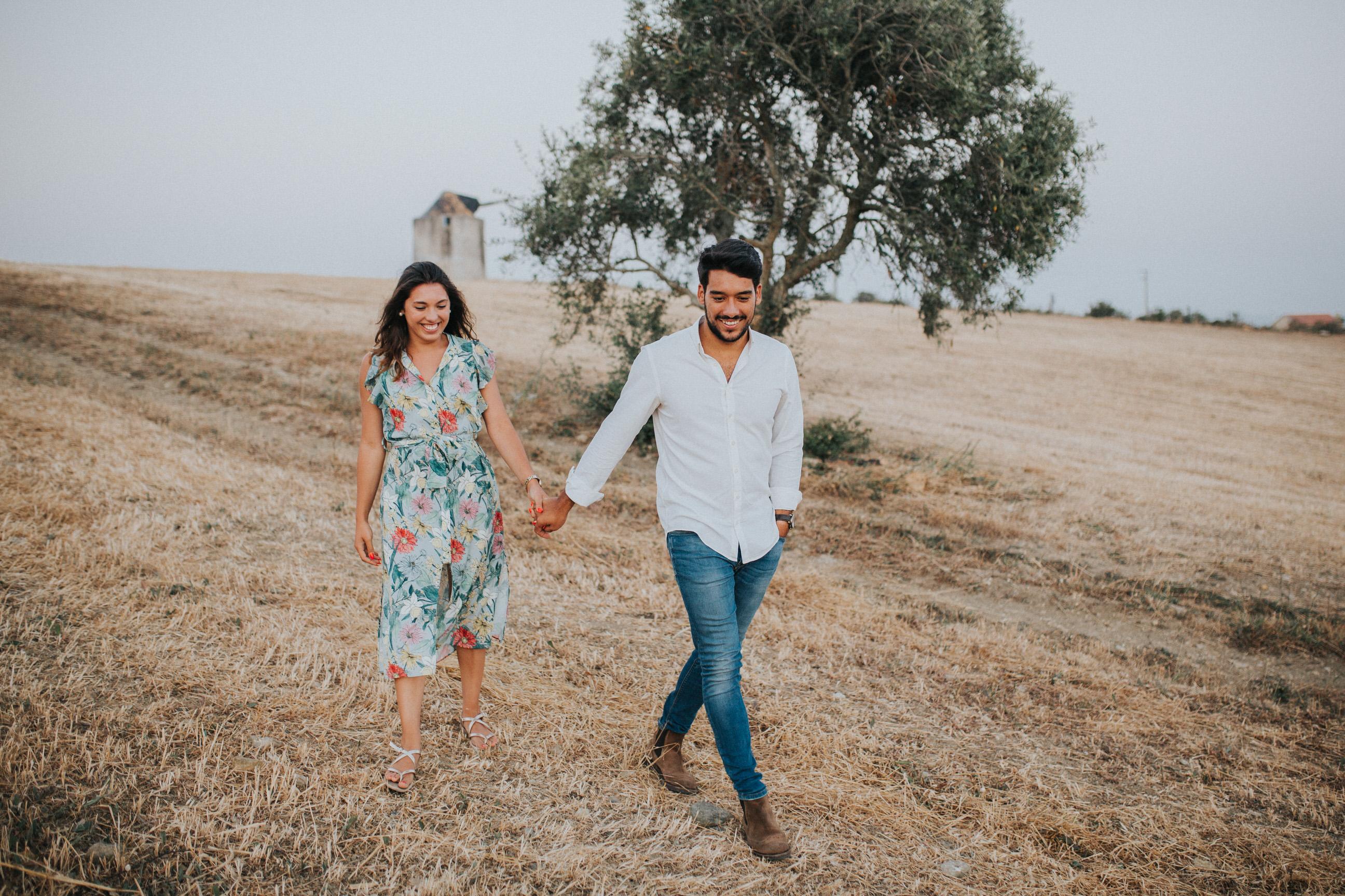 32 Cristiana&André-engagement-love-session-solteiros-noivado-foto-natural-Filipe-Santiago-Fotografia-Lisboa-Sintra-Mafra-Malveira-Torres-Vedras-Fotografos-mata-pequena