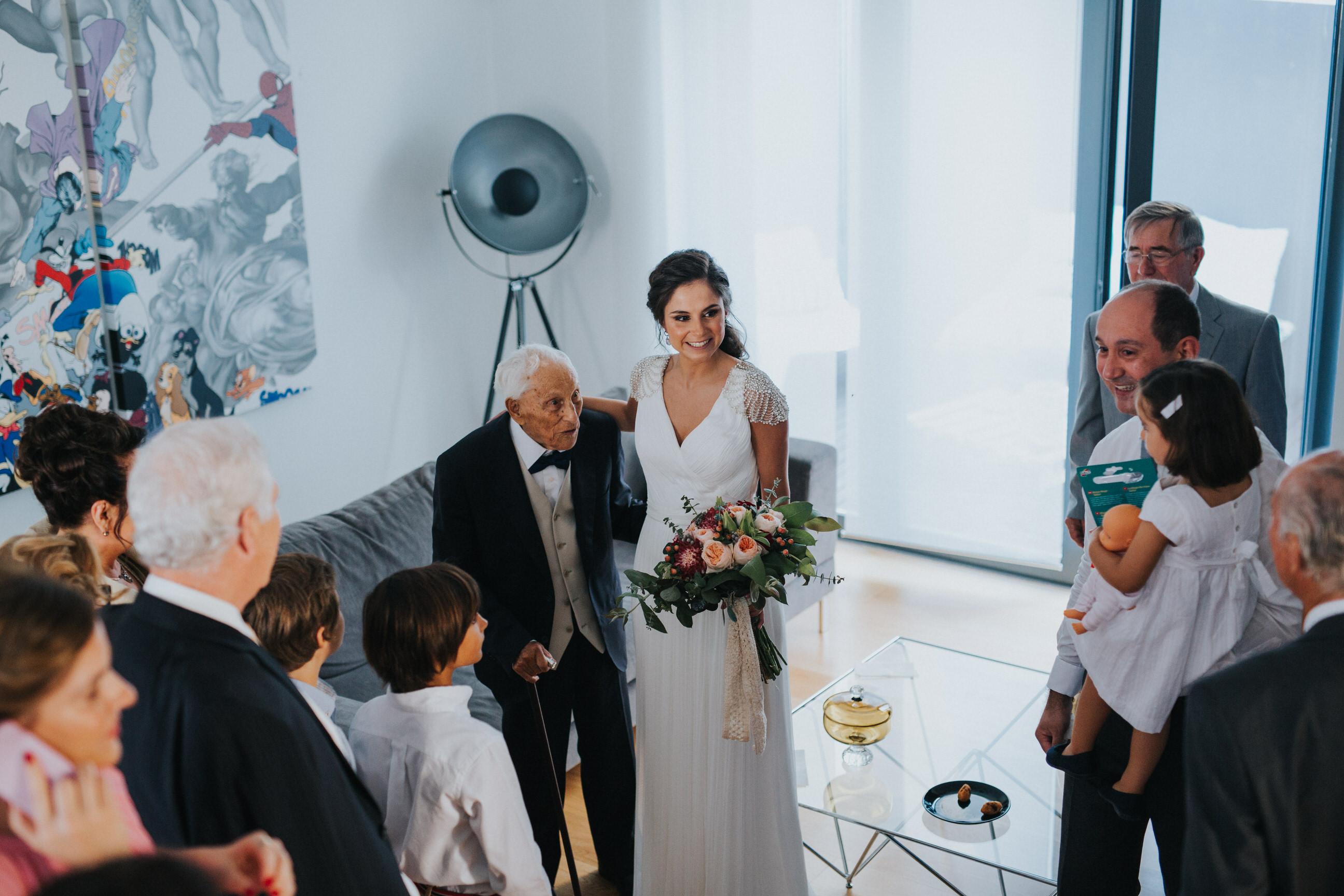 Casamento-Rústico-Bucelas-Quinta-da-Murta-boho-chic-vestidos-dress-venue-Portugal-wedding-preparativos-noiva-casa-família