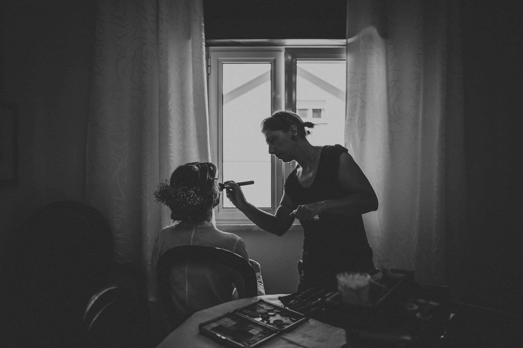 Filipe Santiago Fotografia-fotografo-malveira-lisboa-cascais-mafra-melhores-reportagem-wedding-photography-portugal-lisbon-best-natural-casamentos-lifestyle-bride-ideias-rustic-boho-hair-mackup-damas-preparativos-preparations-bridemaids-dress-storie-bw