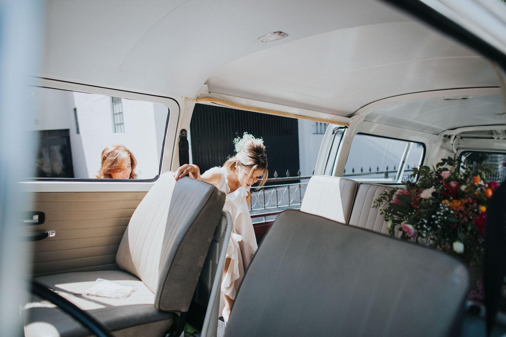 Filipe Santiago Fotografia-fotografo-malveira-lisboa-cascais-mafra-melhores-reportagem-wedding-photography-portugal-lisbon-best-natural-casamentos-lifestyle-bride-ideias-rustic-boho-hair-mackup-damas-preparativos-preparations-bridemaids-dress-shoes-bouquet-ww-van