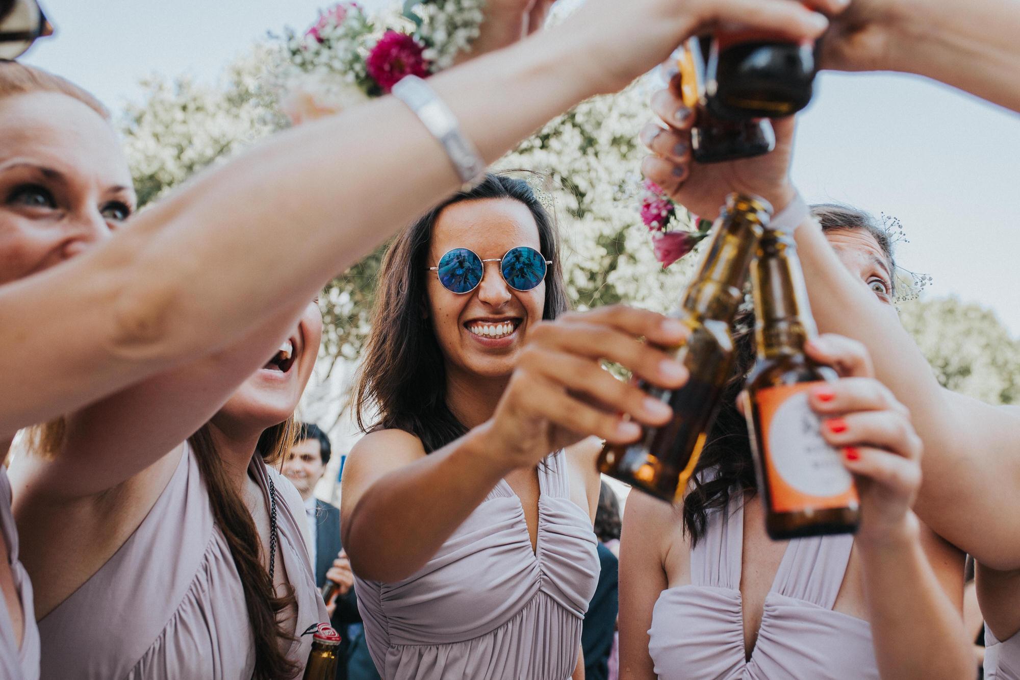 Filipe Santiago Fotografia-fotografo-malveira-lisboa-cascais-mafra-melhores-reportagem-wedding-photography-portugal-lisbon-best-natural-casamentos-lifestyle-bride-ideias-rustic-boho-hair-mackup-damas-preparativos-preparations-bridemaids-dress-shoes-bouquet-trends-church-cerimony-saida-igreja-dicas-drink-toast-beer
