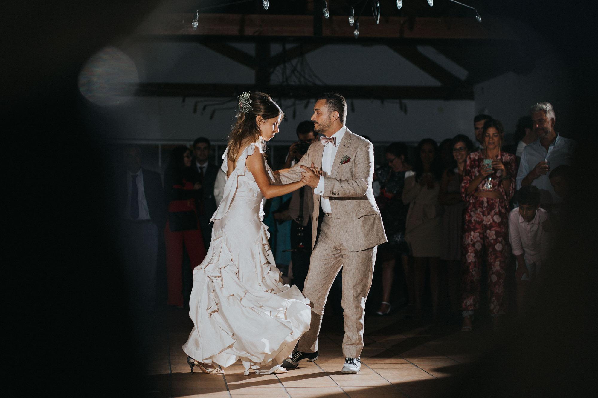 Filipe Santiago Fotografia-fotografo-malveira-lisboa-cascais-mafra-melhores-reportagem-wedding-photography-portugal-lisbon-best-natural-casamentos-lifestyle-bride-ideias-rustic-boho-hair-mackup-damas-preparativos-preparations-bridemaids-dress-shoes-bouquet-trends-church-cerimony-saida-igreja-dicas-session-welcome-best-venue-quinta-monte-redondo-melhores quintas-decor-decoração-night-lights-dance