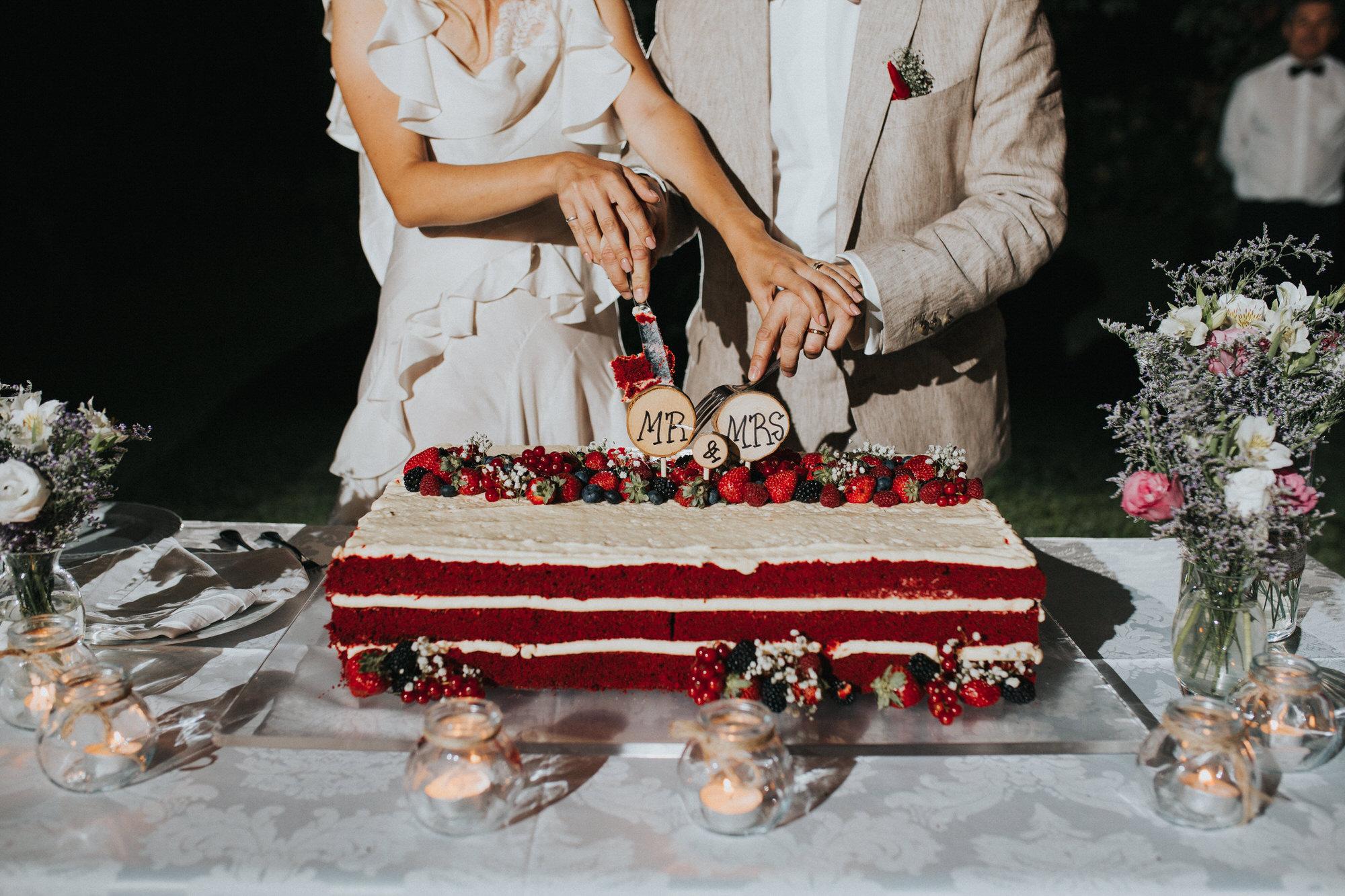 Filipe Santiago Fotografia-fotografo-malveira-lisboa-cascais-mafra-melhores-reportagem-wedding-photography-portugal-lisbon-best-natural-casamentos-lifestyle-bride-ideias-rustic-boho-hair-mackup-damas-preparativos-preparations-bridemaids-dress-shoes-bouquet-trends-church-cerimony-saida-igreja-dicas-session-welcome-best-venue-quinta-monte-redondo-melhores quintas-decor-decoração-night-lights-cake-bolo-corte