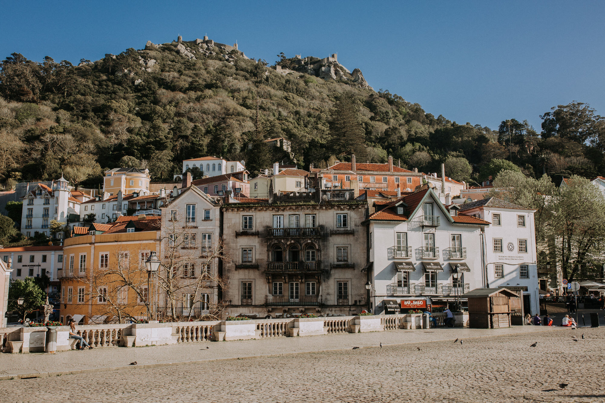 01-sessao-noivado-engagement-love-session-Sintra-lisboa-town-wedding-photography-photographer-natural-best-venue-planner-destination-filipe-santiago-fotografia-lifestyle-documentary
