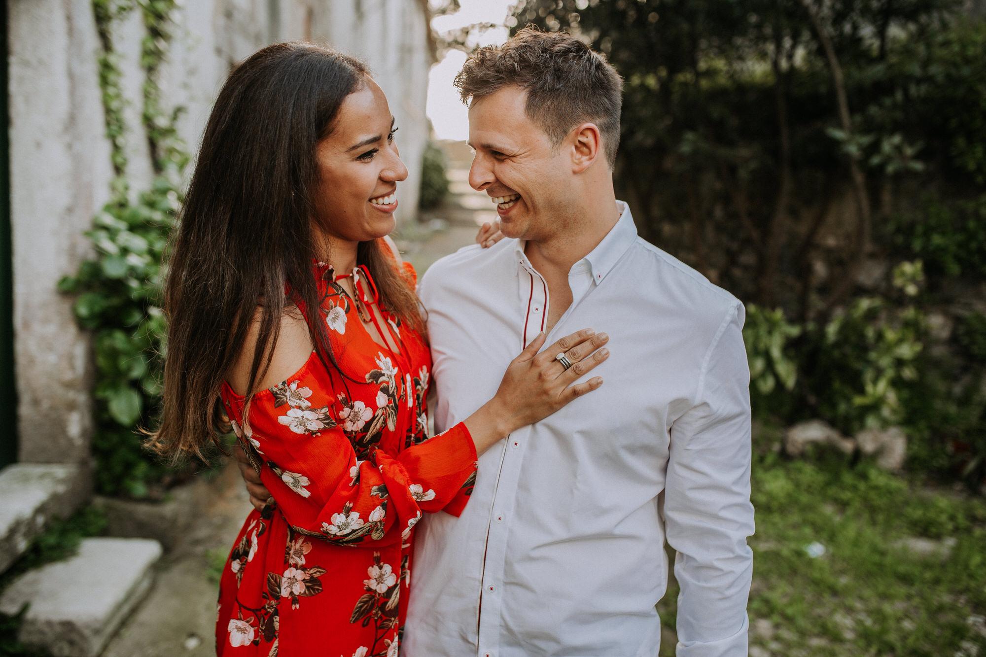 04-sessao-noivado-engagement-love-session-Sintra-lisboa-town-wedding-photography-photographer-natural-best-venue-planner-destination-filipe-santiago-fotografia-lifestyle-documentary