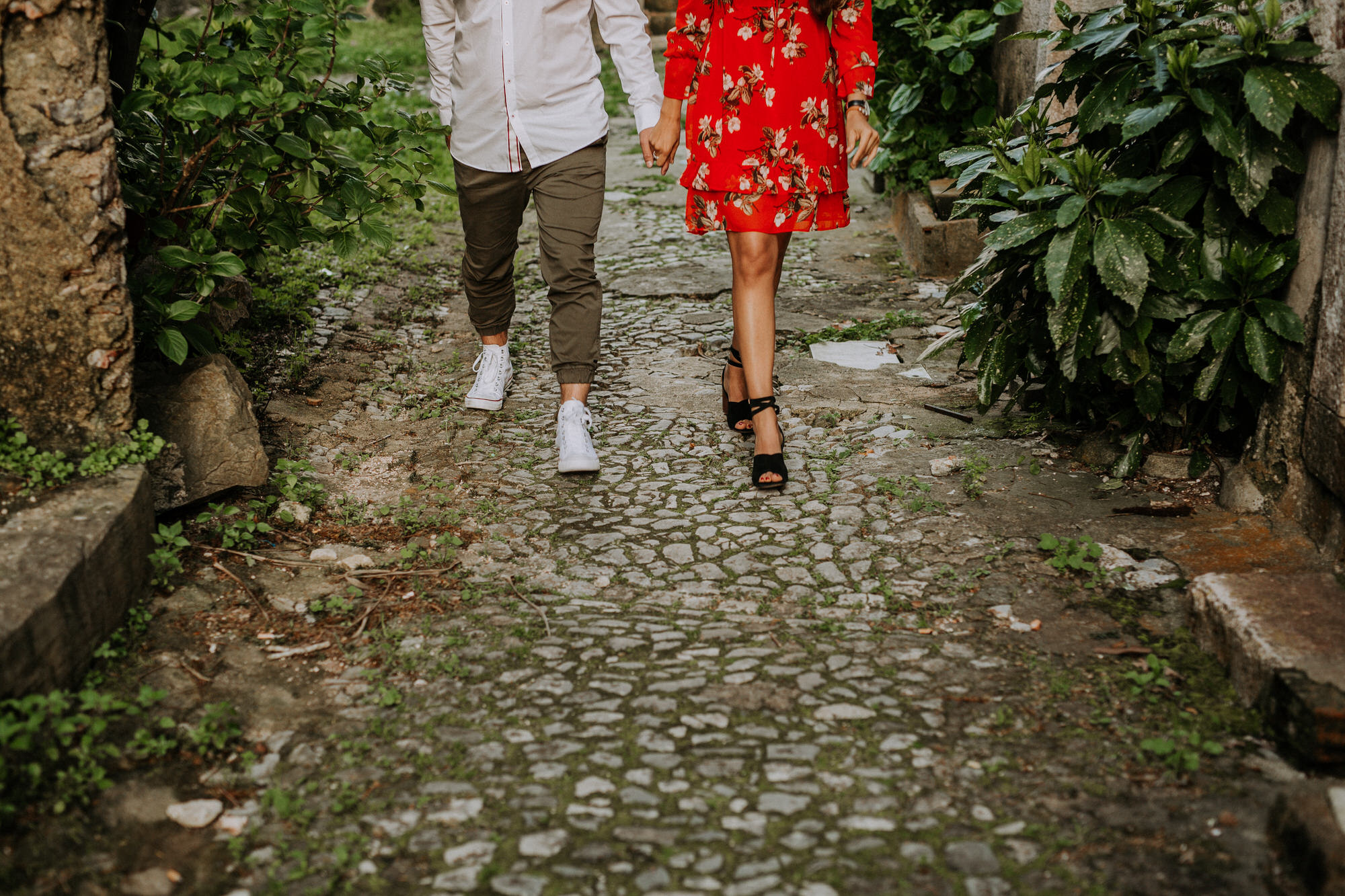 05-sessao-noivado-engagement-love-session-Sintra-lisboa-town-wedding-photography-photographer-natural-best-venue-planner-destination-filipe-santiago-fotografia-lifestyle-documentary