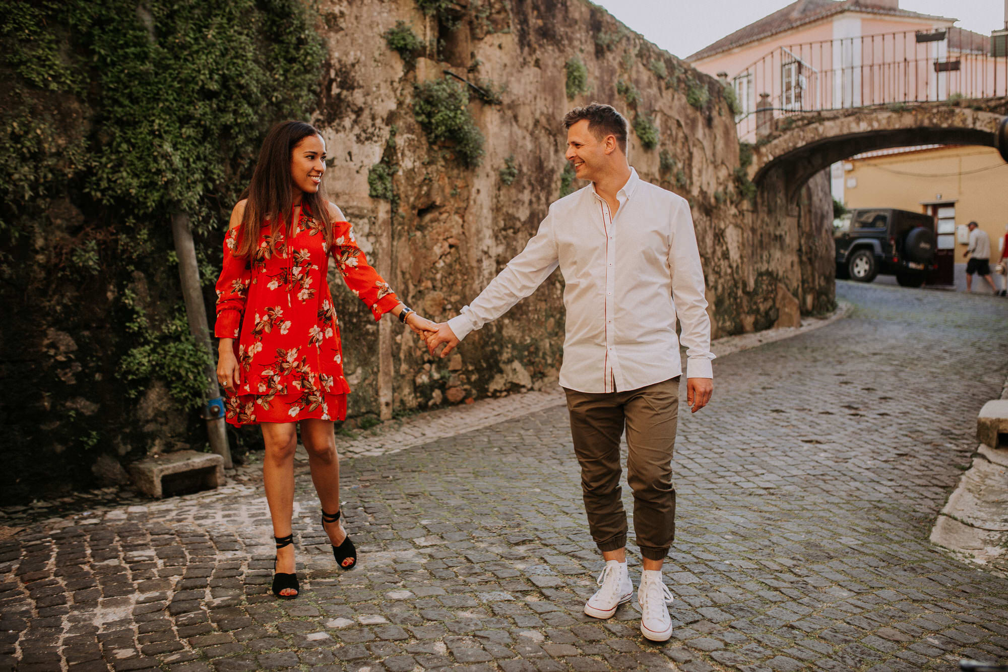10-sessao-noivado-engagement-love-session-Sintra-lisboa-town-wedding-photography-photographer-natural-best-venue-planner-destination-filipe-santiago-fotografia-lifestyle-documentary