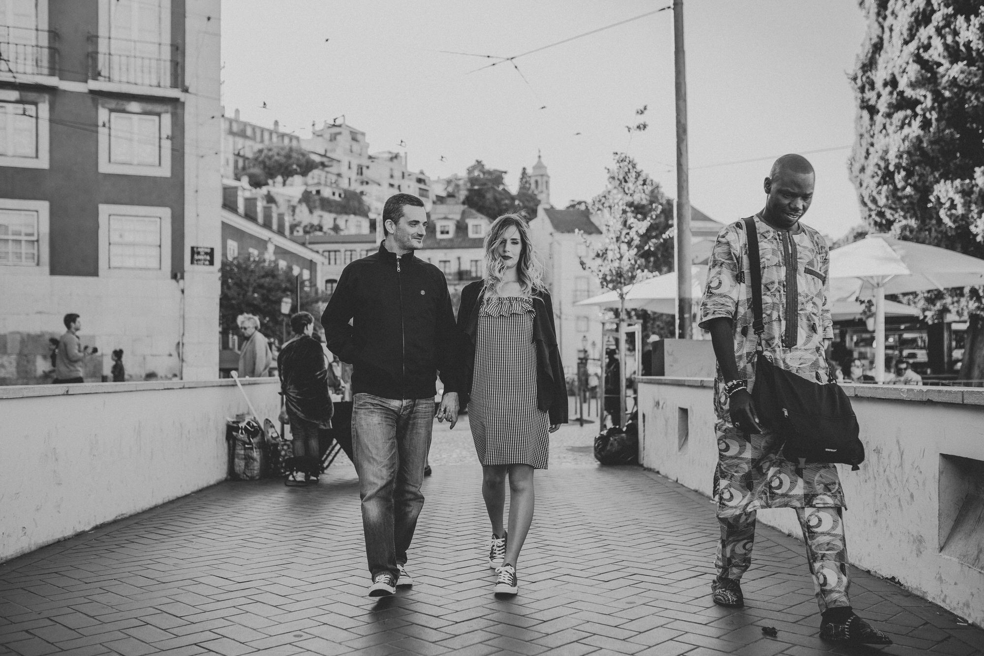 15 -sessao-noivado-engagement-session-alfama-lisboa-town-wedding-photography-photographer-natural-best-venue-planner-destination-filipe-santiago-fotografia-miradouro