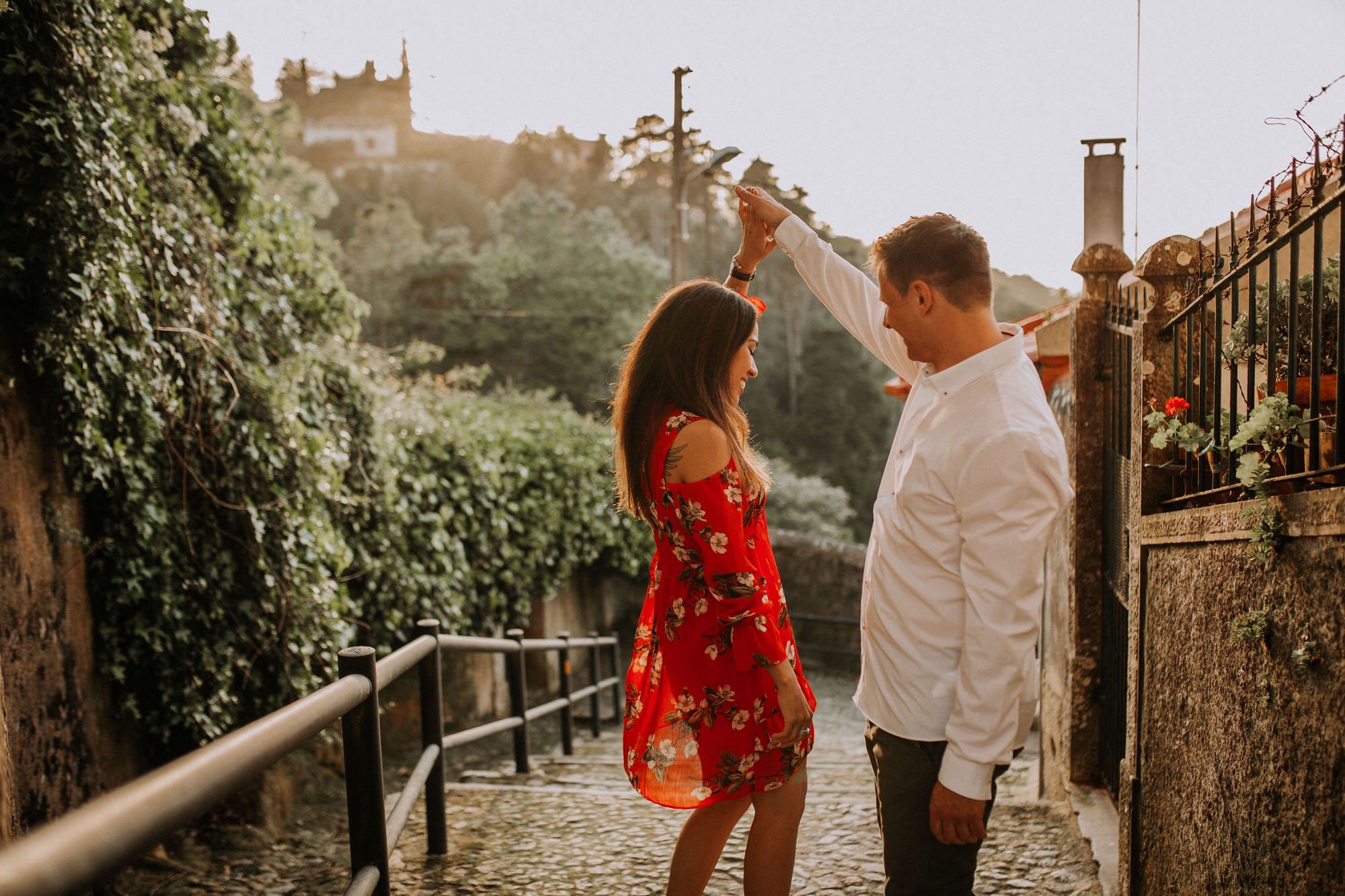 24-sessao-noivado-engagement-love-session-Sintra-lisboa-town-wedding-photography-photographer-natural-best-venue-planner-destination-filipe-santiago-fotografia-lifestyle-documentary