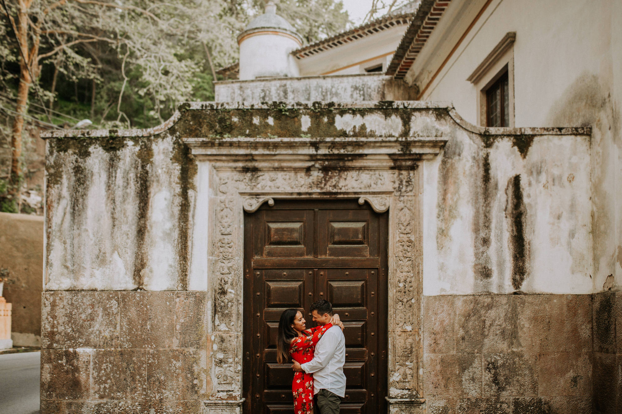 35-sessao-noivado-engagement-love-session-Sintra-lisboa-town-wedding-photography-photographer-natural-best-venue-planner-destination-filipe-santiago-fotografia-lifestyle-documentary