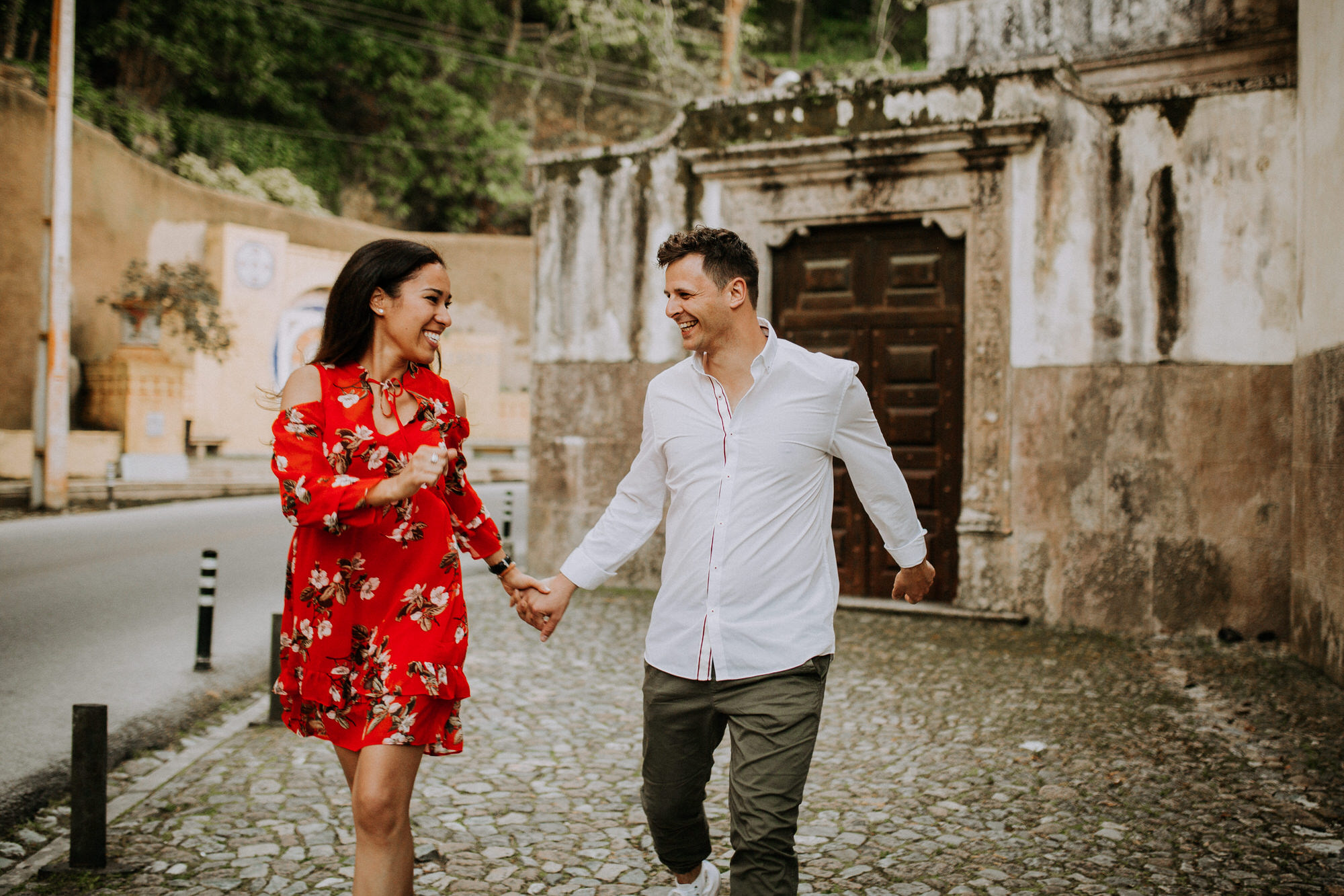 37-sessao-noivado-engagement-love-session-Sintra-lisboa-town-wedding-photography-photographer-natural-best-venue-planner-destination-filipe-santiago-fotografia-lifestyle-documentary