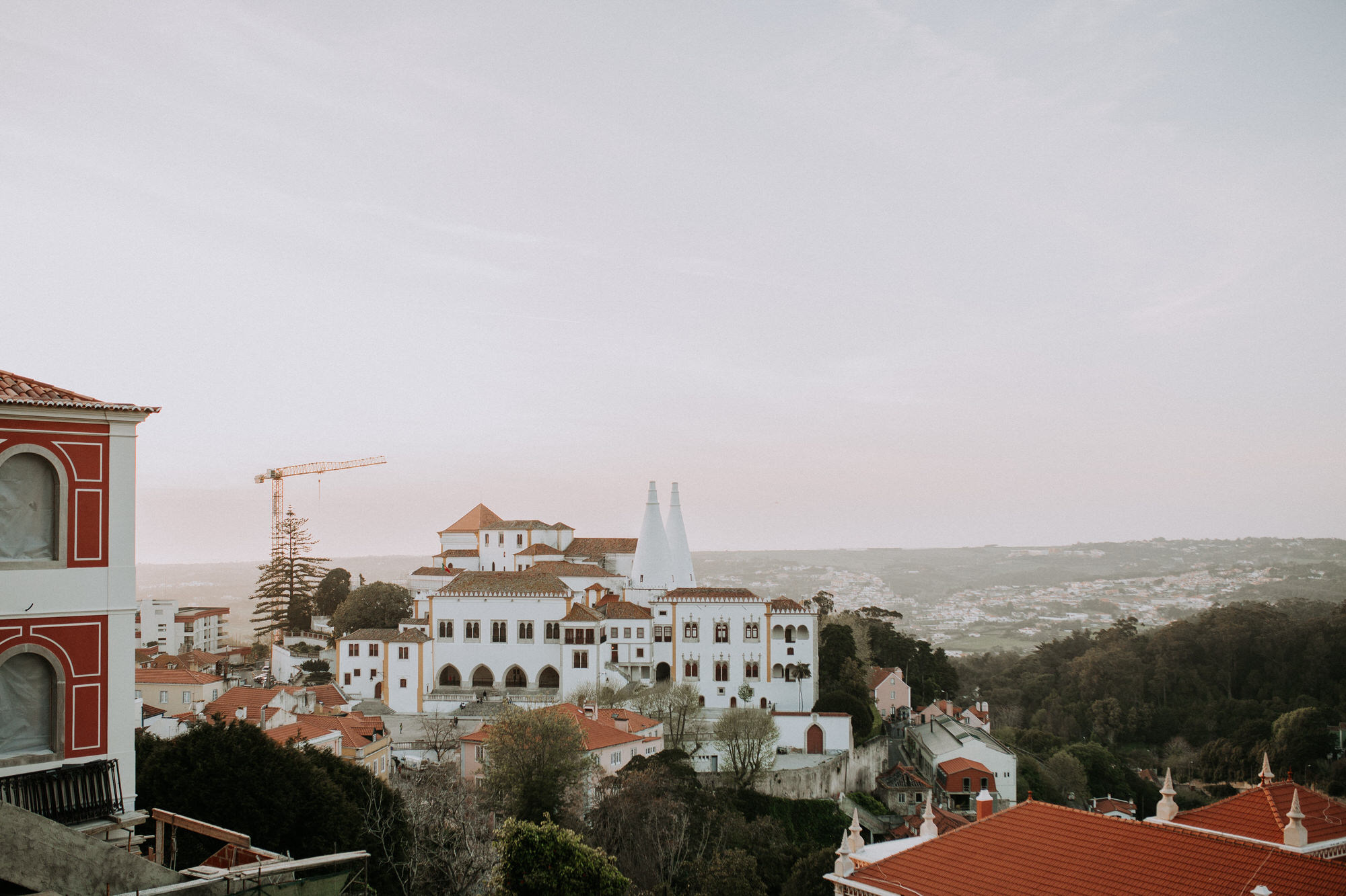 43-sessao-noivado-engagement-love-session-Sintra-lisboa-town-wedding-photography-photographer-natural-best-venue-planner-destination-filipe-santiago-fotografia-lifestyle-documentary