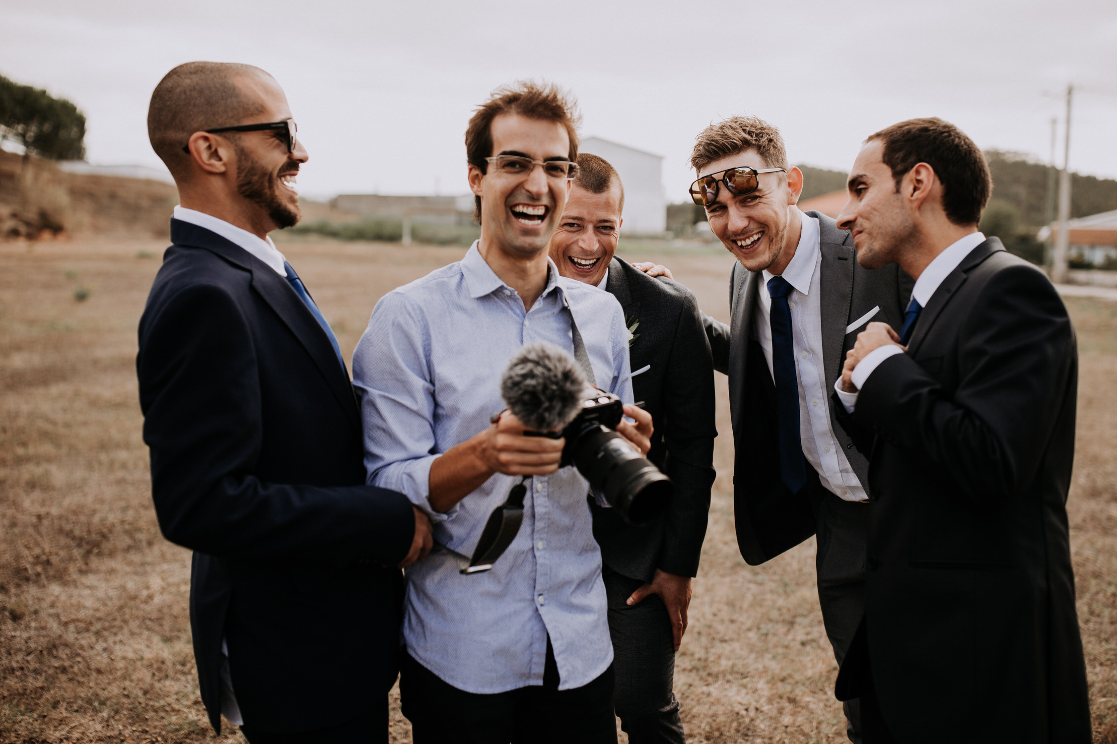010 Filipe Santiago Fotografia Casamento wedding photographer near venue Lisbon Malveira Ericeira best Sintra Portugal destination groom prep friends